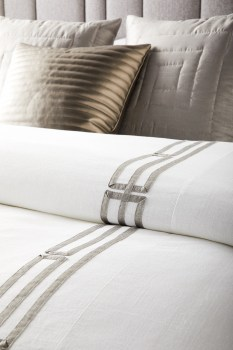 Remy-Bedding-Detail-Compressed-HR1
